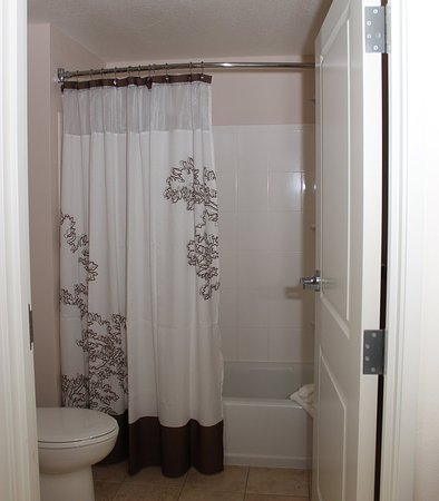 Sebring, FL: Suite Bathroom