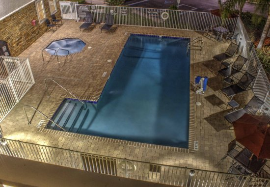 Sebring, Flórida: Outdoor Pool & Whirlpool