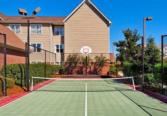 Residence Inn Savannah Midtown: Sport Court