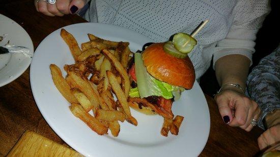Peekskill, NY: Burger