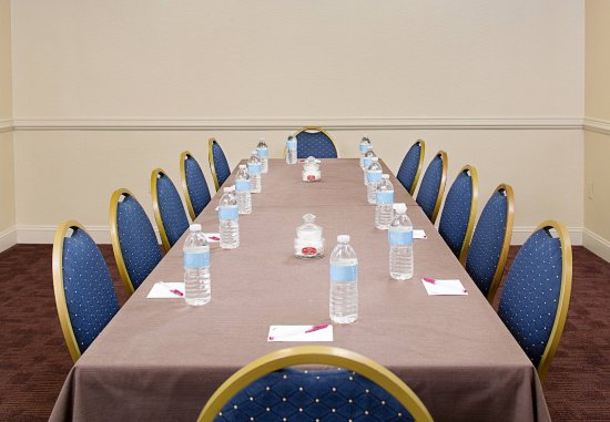 White Plains, NY: Meeting Room   Boardroom Setup