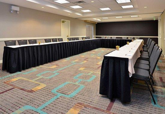 Aurora, CO: Meeting Room   U-Shape Setup