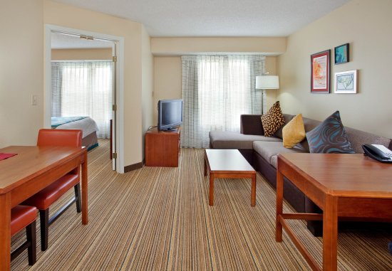 Stafford, TX: One-Bedroom Suite