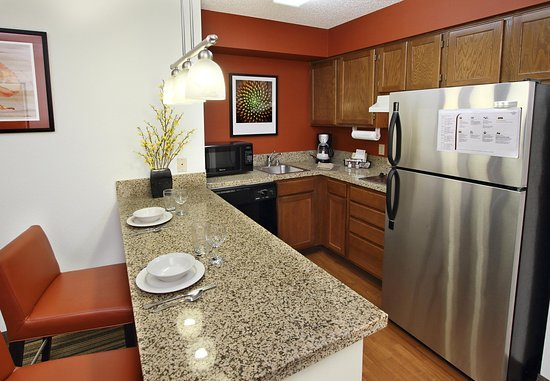 Milpitas, CA: Studio Suite Kitchen