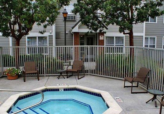 Milpitas, Kalifornien: Outdoor Whirlpool