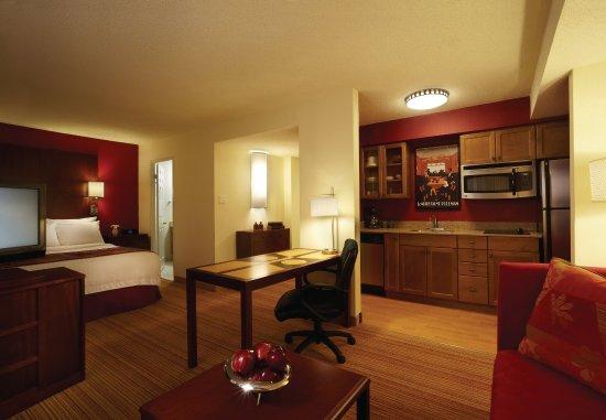 Residence Inn London Downtown: King Studio Suite