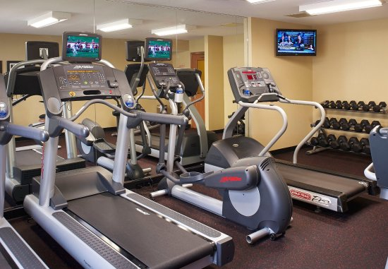 West Dundee, IL : Fitness Center