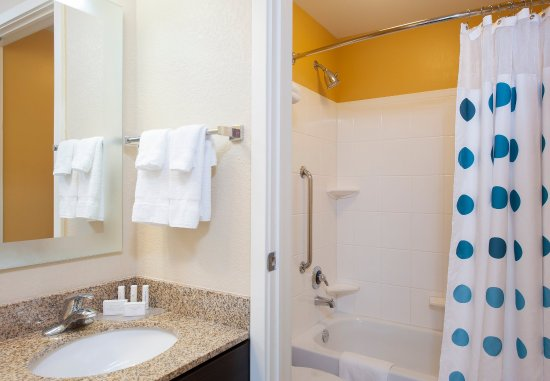 Johnston, IA: Studio & Two-Bedroom Suite Bathroom
