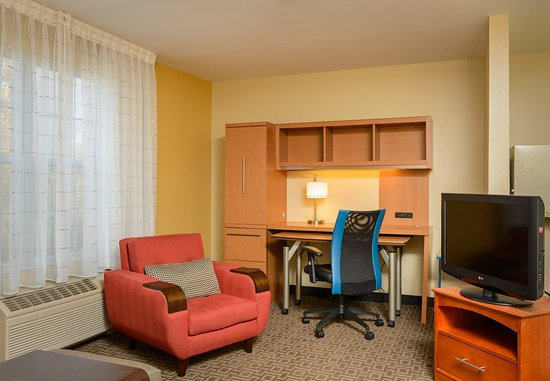 Annapolis Junction, MD: One-Bedroom Suite - Living Area