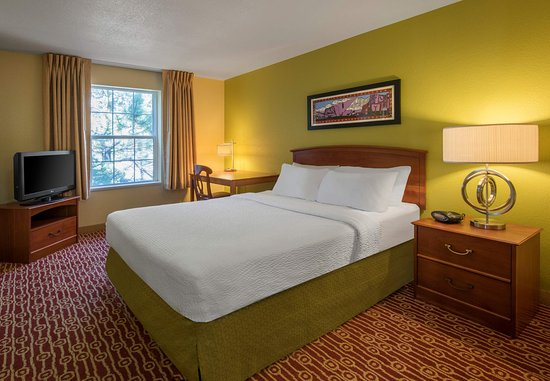 Englewood, CO: Two Bedroom Suite