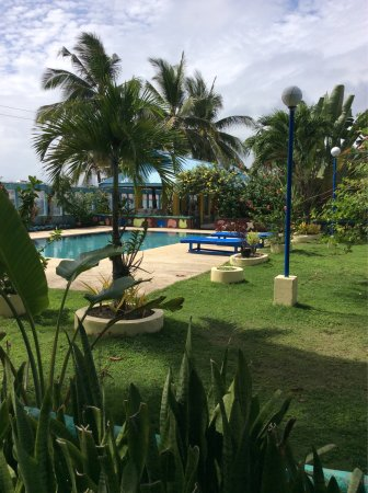Looc garden beach resort updated 2018 reviews price for Pool garden resort argao
