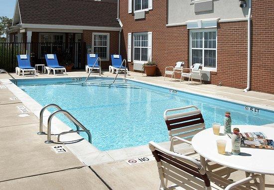 Lombard, Ιλινόις: Outdoor Pool