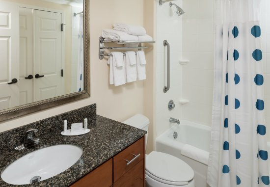 Suffolk, VA: Guest Bathroom