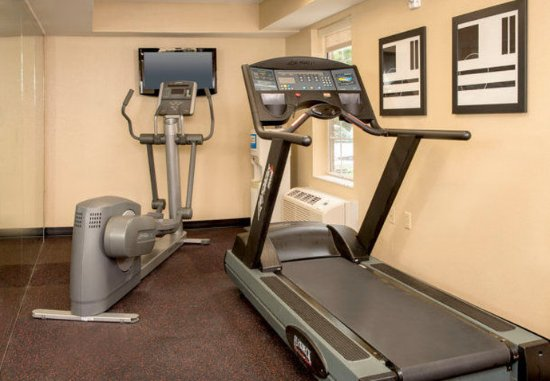 TownePlace Suites Newport News Yorktown: Fitness Center