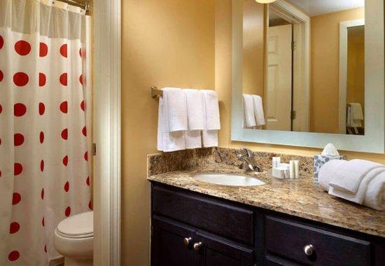 Norcross, GA: Suite Bathroom