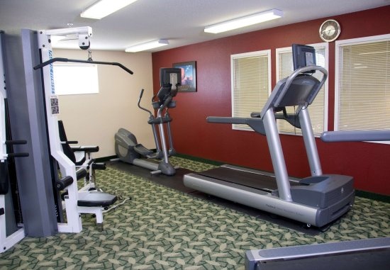 TownePlace Suites Milwaukee Brookfield: Fitness Center