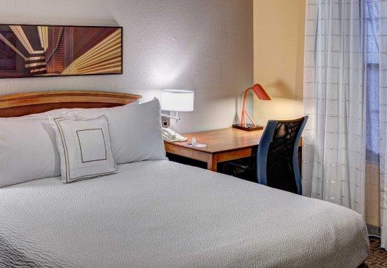 Irving, TX: Two-Bedroom Suite - Sleeping Area