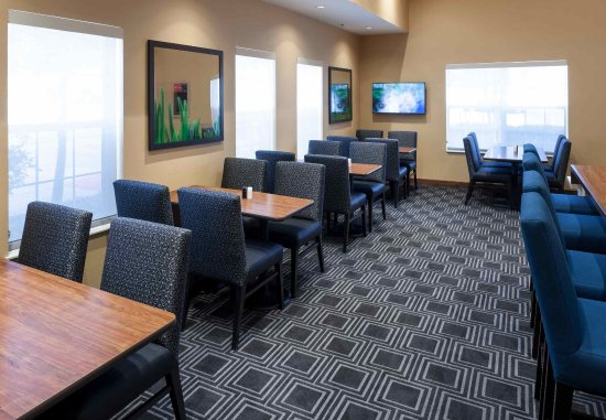 Irving, TX: Dining Area