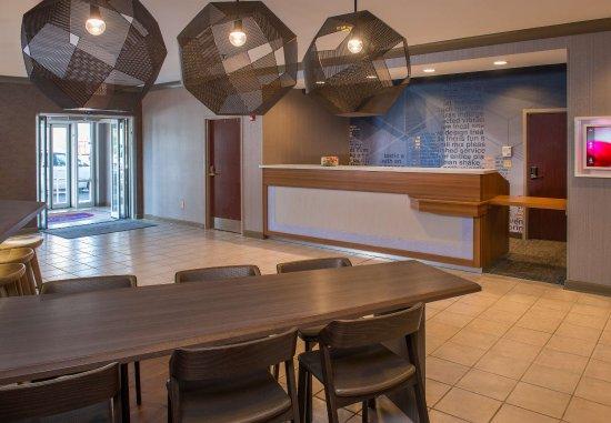 Herndon, VA: Communal Table