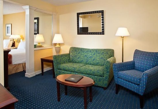 Centreville, فيرجينيا: Suite Living Area