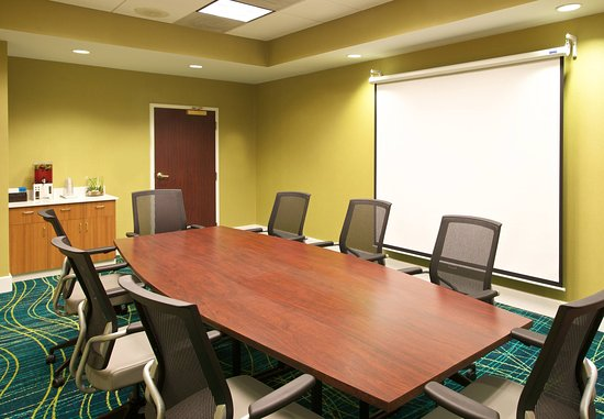 SpringHill Suites Baltimore BWI Airport : Boardroom