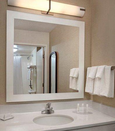 Willow Grove, PA: Suite Bathroom Vanity