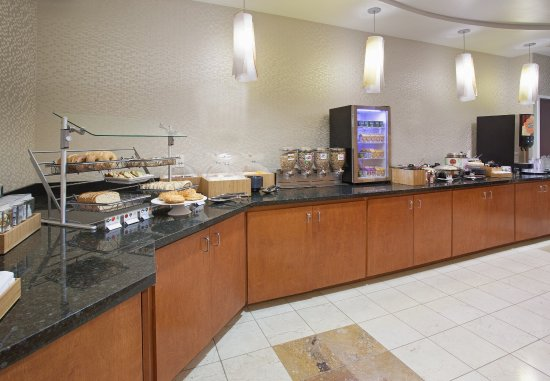 Longmont, Colorado: Suite Seasons Breakfast Buffet