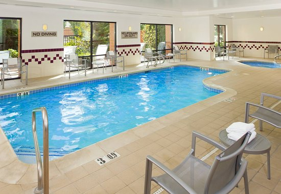 SpringHill Suites Portland Hillsboro: Indoor Pool & Spa