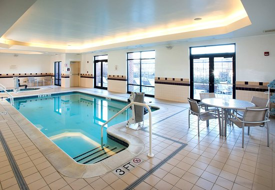 SpringHill Suites by Marriott Annapolis: Indoor Pool & Whirlpool