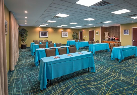 Laredo, TX: Meeting Room   Classroom Setup