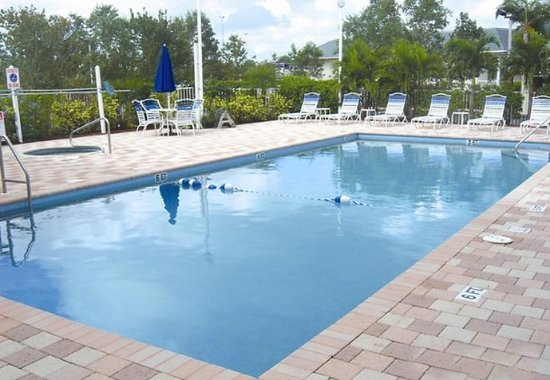 Port Saint Lucie, Φλόριντα: Outdoor Pool & Spa