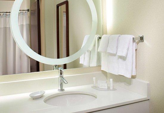 Chesterfield, MO: Suite Bathroom Vanity