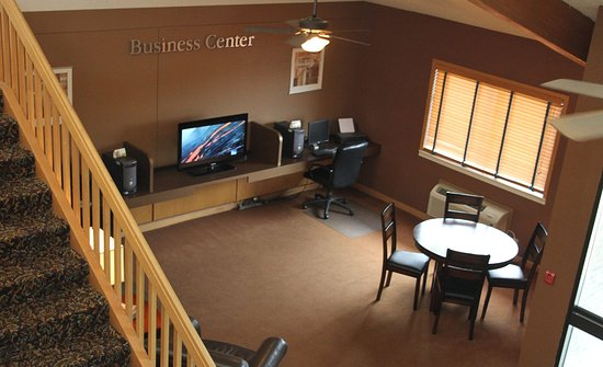 Wadena, MN: Business Center