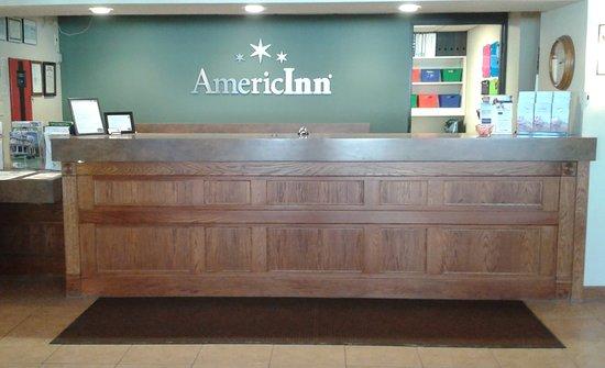 Kewanee, IL: Front Desk