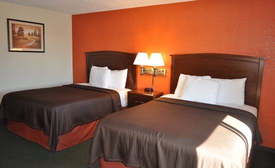 Plymouth, WI: Americ Inn Double Standard