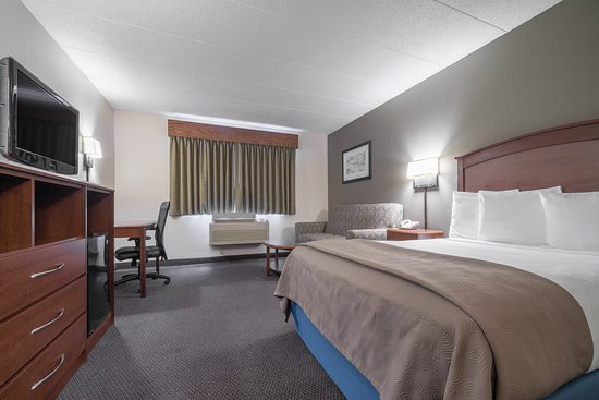 AmericInn Lodge & Suites Hutchinson: Americ Inn Hutchinson MNQueen Executive