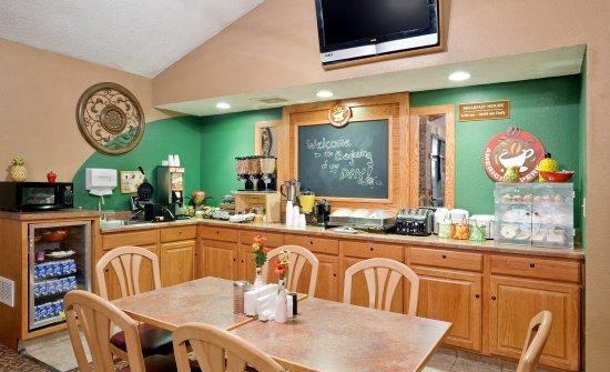 AmericInn Lodge & Suites Park Rapids: Breakfast