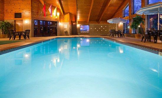AmericInn Lodge & Suites Park Rapids: Pool