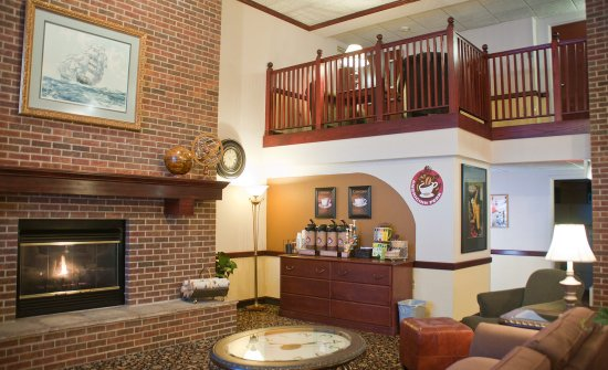Mounds View, MN: Lobby