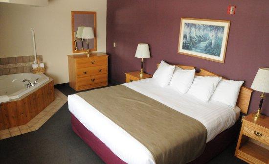 AmericInn Lodge & Suites Merrill: King