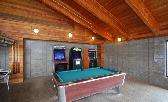 Merrill, WI: Pool Table