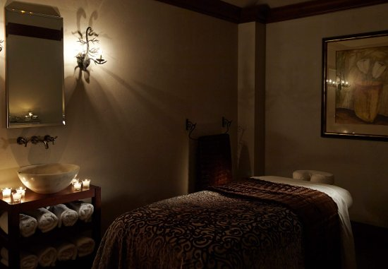 Pittsford, NY: Spa at the Del Monte  - Treatment Room