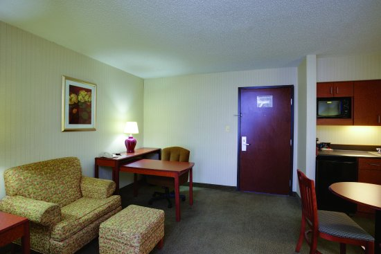 Elkton, MD: Suite