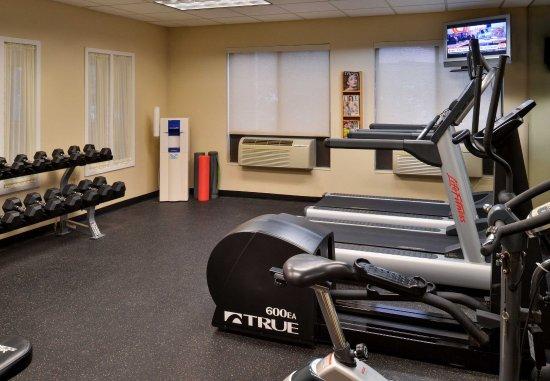 TownePlace Suites Detroit Warren: Fitness Center