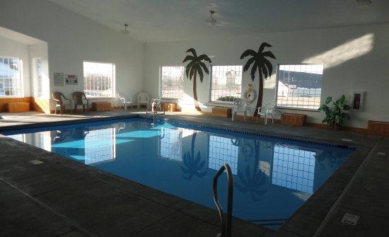Pella, IA: Pool