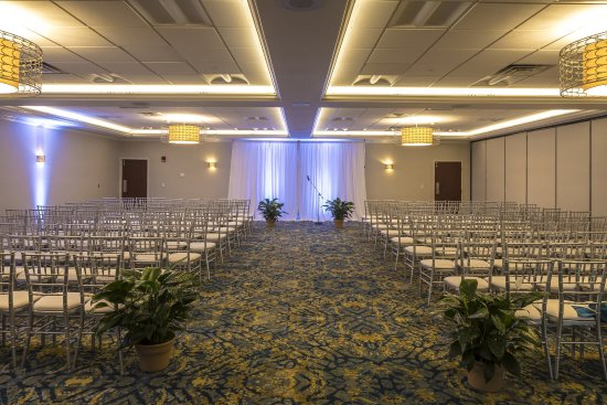 crowne plaza hotel suites pittsburgh south updated. Black Bedroom Furniture Sets. Home Design Ideas