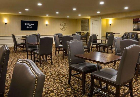 Sudbury, MA: Breakfast Room