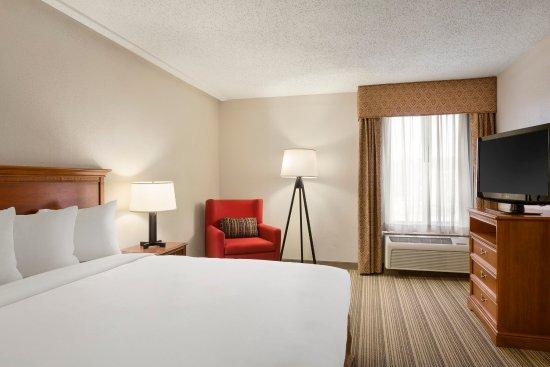 Country Inn & Suites By Carlson, Atlanta Northwest at SunTrust Park: Suite