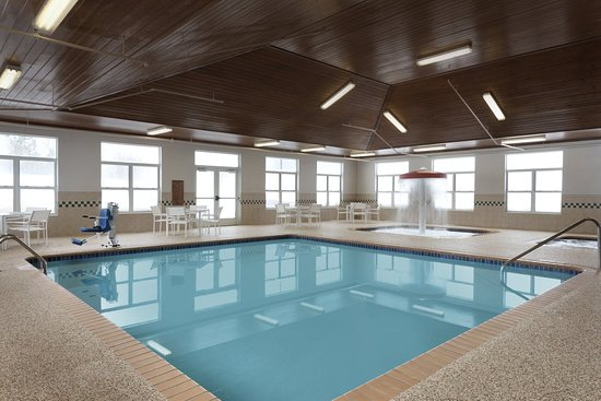 Country Inn & Suites By Carlson, Houghton: Pool