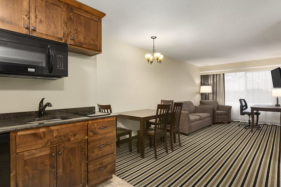 Little Falls, MN: Suite